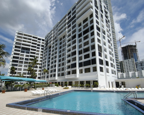 Alexander Towers en Hollywood Beach
